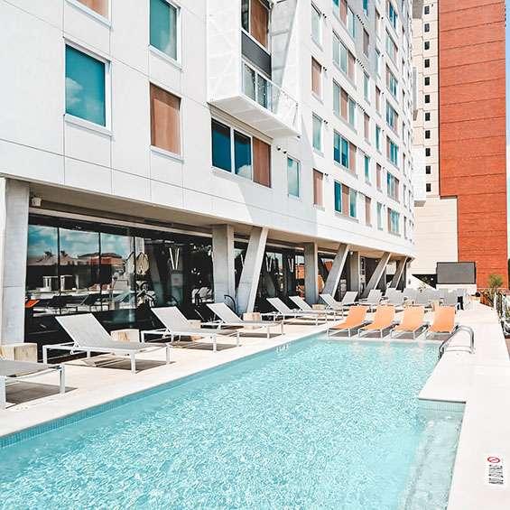 VIP Lounge & Pool